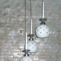现代简约时尚吸顶灯玻璃三头led餐厅灯餐吊灯饭厅灯吧台灯饰灯